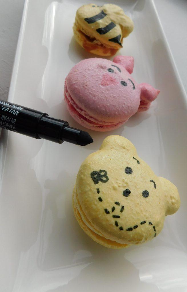 How do you use an edible pen