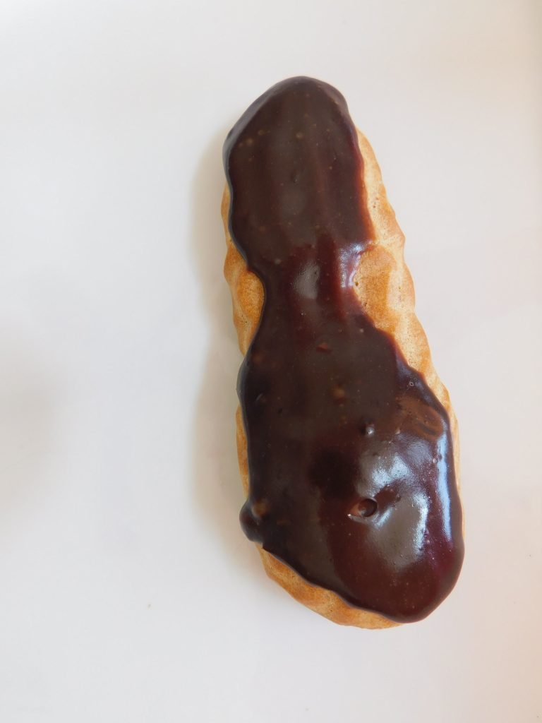 How to fill eclairs without cutting them